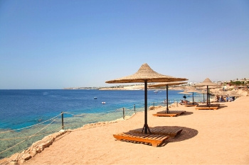 Strand der Red Sea Hotels in Sharm El Sheikh am Roten Meer