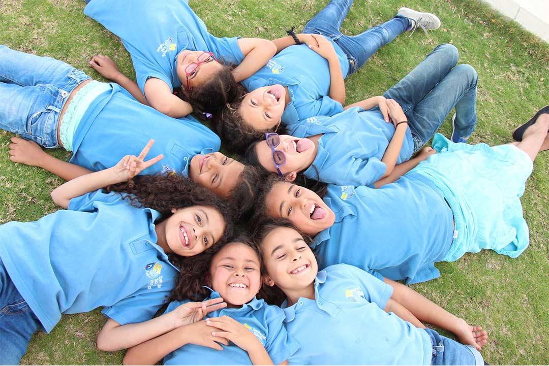 Eine Gruppe von Kindern in der Deutschen Schule Hurghada